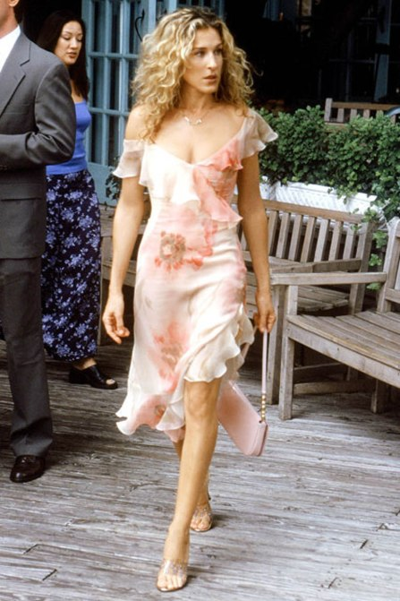 Carrie Bradshaw - Outfit of the Week - 24 Blogazine