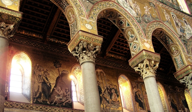 Mosaic Artwork: Cathedral Monreale, Silicy
